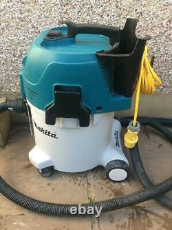 2019.2 Makita VC3012M 110v Wet and Dry VACUUM CLEANER 10kg + New Air Filter /Bag