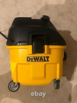 Dewalt DWV901 240V Wet & Dry Dust Extractor 30 Litre Vacuum Cleaner 1400 W