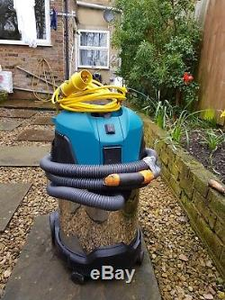 Makita VC3011L 110v Vacuum Cleaner 30L Wet and Dry Dust Extractor