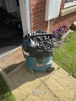 Used Makita wet and dry vacuum cleaner industrial