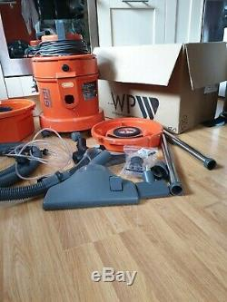 Vax 3-in-1 6131 Vacuum Cleaner Carpet Upholstery Cleaner 1300. Wet and dry