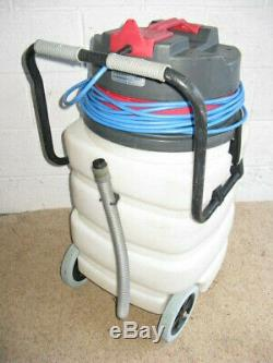 Wet and dry industrial commercial vacuum cleaner hoover